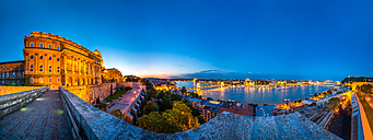Hungary, Budapest, Buda, Buda Castle, View over Pest and Danube river, Panorama at sunset - PUF000006