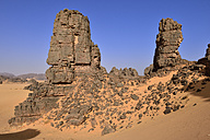 Africa, Algeria, Sahara, Tassili N'Ajjer National Park, Tadrart, Sandstone rock towers in Immourouden area - ES001291