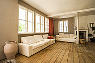 Spacious living room with wooden floor - TCF004196