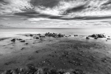 France, Alpes-Maritimes, coast at Antibes - DAWF000083
