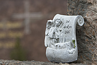 Germany, Bavaria, Ruhpolding, Grave yard, Angel figurine - CR002614