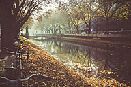 Germany, Duesseldorf,  City canal and Koenigsallee - DWI000149