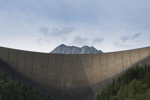 Austria, Tirol, Zillertal, Schlegeis dam wall and Mount Kleiner Hochstaller - MKFF000060