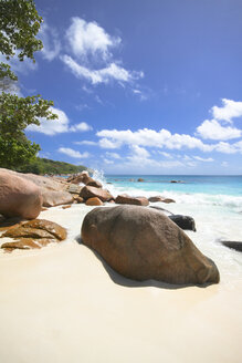 Seychelles, Praslin Island, View of the beach at Anse Lazio - KRP000726
