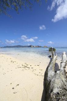 Seychelles, La Digue Island, Beach - KRPF000735