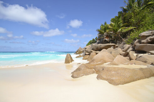 Seychelles, View of the Petit Anse beach at La DIgue Island - KRPF000742