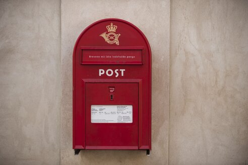 Denmark, Copenhagen, Red postbox - PA000763