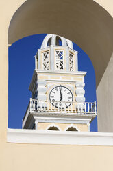 Greece, Cyclades, Santorini, view to clock tower of Church of St. Johann Baptist - KRPF000851