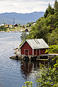 Norway, Bergen, red house by the water - NGF000217
