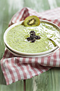 Chilled kiwi soup with blackberries - SBDF001202