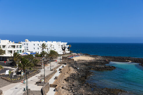 Spain, Canary Islands, Lanzarote, white houses at Costa Teguise - AMF002673