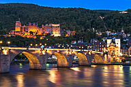 Germany, Baden-Wuerttemberg, Heidelberg, View to Old town, Old bridge and Heidelberg Castle in the evening - PUF000014