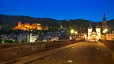 Germany, Baden-Wuerttemberg, Heidelberg, Old town, Old bridge with bridge gate and Heidelberg Castle in the evening - PUF000012