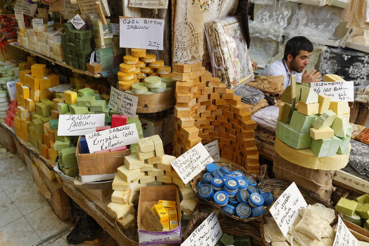 Turkey, Mardin, market stall with soaps at bazaar - SIE005793 - Martin  Siepmann/Westend61