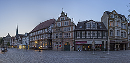 Germany, Lower Saxony, Hameln, old town in the evening - PVCF000079