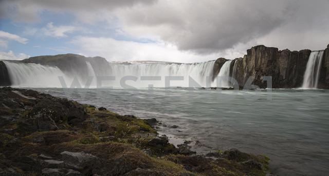 Iceland, Pingeyjarsveit, Godafoss Waterfall - MKFF000071