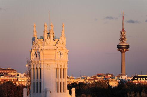 Spain, Madrid, city center, Palacio de Comunicaciones and Torre Espana television tower - MIZ000570