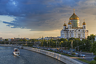 Russia, Moscow, Cathedral of Christ the Saviour and Moskva River - FOF006731