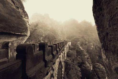 Germany, Saxony, Elbe Sandstone Mountains, view to Bastei Bridge - MS004121