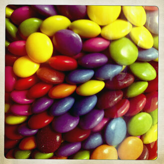 Glass with coloured chocolate beans, Germany - MEMF000421