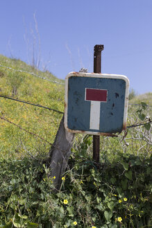 Spain, Andalusia, Tarifa, dead end sign - KBF000132