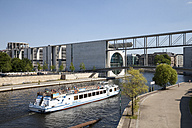 Germany, Berlin, Marie-Elisabeth-Lueders-Building, Excursion boat on Spree river - WI000961