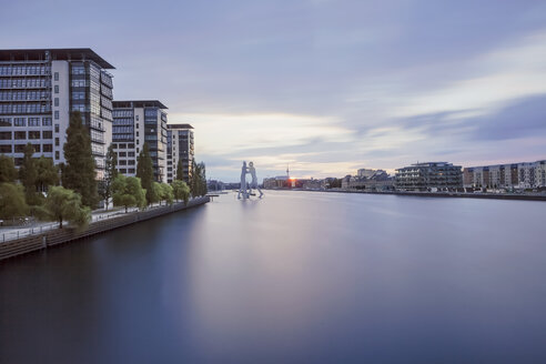 Germany, Berlin, view to Spree River at twilight - HCF000057