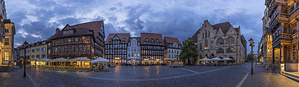 Germany, Bavaria, Hildesheim, Market place in the evening, Panorama - PVCF000098