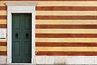 Italy, Bardolino, house wall and door - AP000018