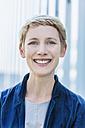 Portrait of smiling blond woman - TCF004438