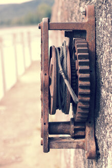 Germany, Baden-Wuerttemberg, High Rhine, old rusty cable winch - MID000004
