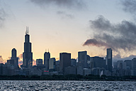 USA, Illinois, Chicago, Skyline, Willis Tower and Lake Michigan in the evening light - FOF007212