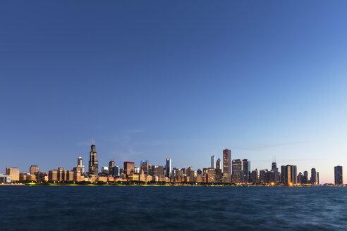 USA, Illinois, Chicago, Skyline, Willis Tower and Lake Michigan, Blue hour - FOF007235
