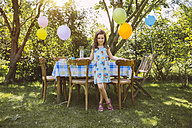 Girl with balloons in garden - MFF001239