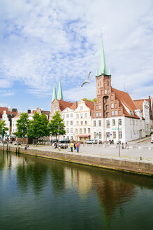 Germany, Schleswig-Holstein, Luebeck, old town, Trave river, Saint Peter's Church and Saint Mary's Church - KRPF001023