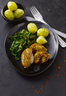 Quail breast with boiled potatoes and sweetheart cabbage - KSWF001332