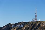 USA, California, Los Angeles, Hollywood Hills, Hollywood Sign and antenna mast - FOF006949