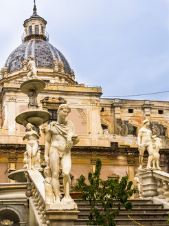 Italy, Sicily, Province of Palermo, Palermo, Piazza Pretoria, Fountain Fontana della Vergogna and Church San Giuseppe dei Teatini in the background - AMF002815