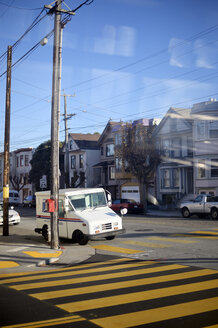 USA, California, San Francisco, post car parking in street - BR000765