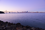 USA, California, San Francisco, Oakland Bay Bridge and skyline of Financial District in morning light - BR000708