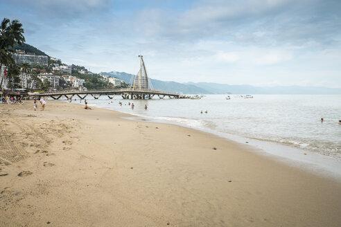 Mexico, Jalisco, Puerto Vallarta, view to Los Muertos Beach - ABAF001463