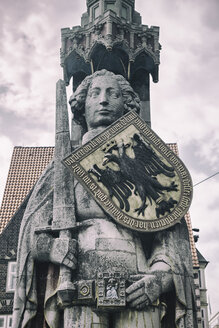 Germany, Bremen, statue of Roland - KRPF001080