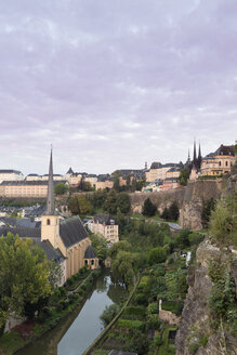 Luxembourg, Luxembourg City, View from Casemates du Bock, Castle of Lucilinburhuc to the Benediktiner abbey Neumuenster and St. Johannes church on the river Alzette - MS004215