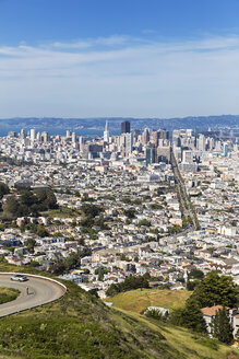 USA, California, San Francisco, View from Twin Peaks, City view with Market Street - FOF007067