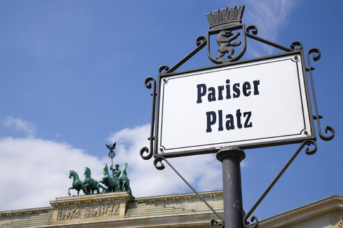 Germany, Berlin, Brandenburg Gate at Pariser Platz - PSF000640