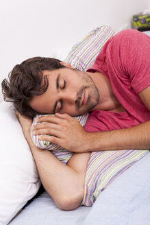 Portrait of sleeping young man - JUNF000046