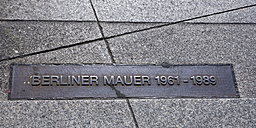 Germany, Berlin, Potsdam Square, former inner German border, former course of the Berlin Wall, sign - WIF001039