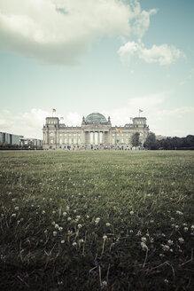 Germany, Berlin, Berlin-Tiergarten, Reichstag building - KRP001129