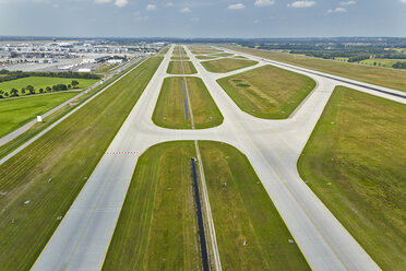 Germany, Bavaria, Munich, aerial view of runway at Munich airport - KD000010