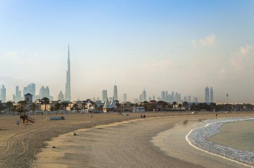 United Arab Emirates, Dubai, Dubai skyline from Jumeirah beach - HSIF000345